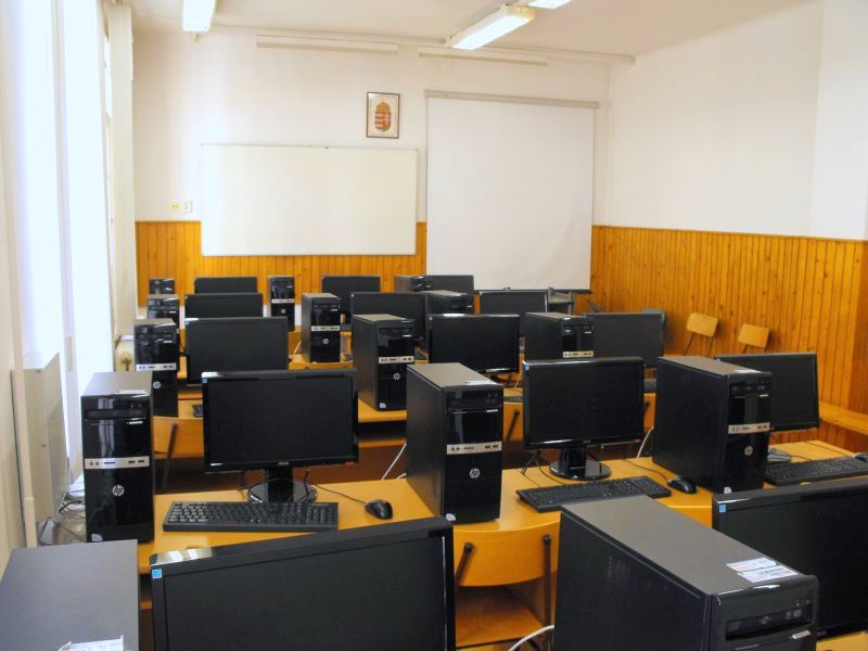Informatikai laborok